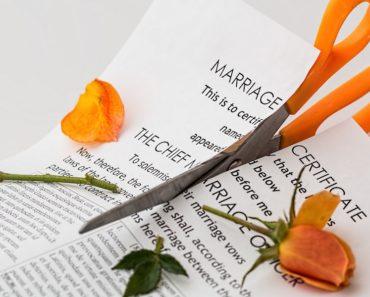 Hollywoodissa mennään nopeasti naimisiin ja vielä nopeammin erotaan. Tällä listalla käydään läpi julkkisten vain tunneista muutamiin kuukausiin kestäneitä avioliittoja.