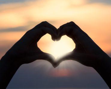 Hyvää ystävänpäivää! Mistä juhla on saanut alkunsa ja miten sitä vietetään ympäri maailmaa? Siihen Listafriikki.com pureutuu tällä ystävyyden ja rakkauden täyteisellä listalla.