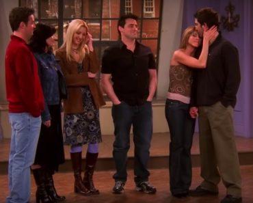 Frendit ovat yksi rakastetuimmista tv-sarjoista koskaan. Se on myös sarja, josta tarkkasilmäiset ovat löytäneet eniten virheitä ja tässä niistä epäjohdonmukaisuuksista kymmenen