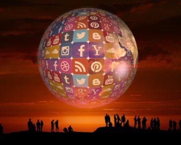 Sosiaalisen median hyviä puolia varjostaa sen negatiivinen vaikutus ihmisten elämään. Valitettavsti some on aiheuttanut monta kuolemaa, joista Listafriikki nyt esittelee kymmenen. Ehkä voimme oppia näistä jotain.