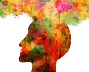 Luulemme toimivamme ja tekevämme päätöksiä tietoisesti, mutta on olemassa psykologisia ilmiöitä, jotka ohjaavat vahvasti käytöstämme. Listafriikki esittelee nyt niistä kymmenen mielenkiintoista.