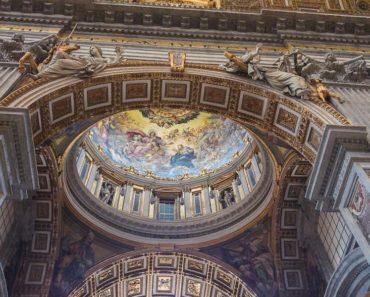 Mitä kaikkea Vatikaanin salainen arkisto pitääkään sisällään? Tässä hurjimpia huhuja.