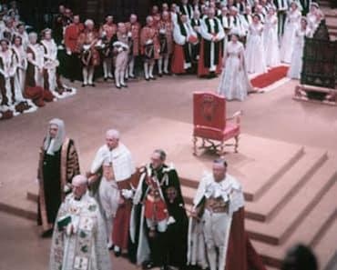Kuningatar Elisabetin kruunajaisista tulee tänään kuluneeksi 67 vuotta. Monarkki on tällä hetkellä kaikkein kauimmin vallassa ollut valtionjohtaja, eikä Hänen majesteettinsa osoita hidastamisen merkkejä.