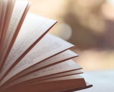 Tässä Listafriikin kymmenen mielenkiintoista faktaa kirjoista.