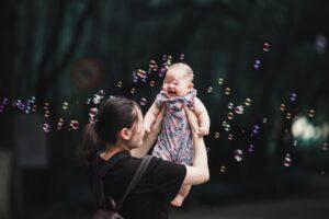Kiinan yhden lapsen politiikka lakkautettiin viisi vuotta sitten, mutta syntyvyyden säännöstely on jättänyt syvät arvet.