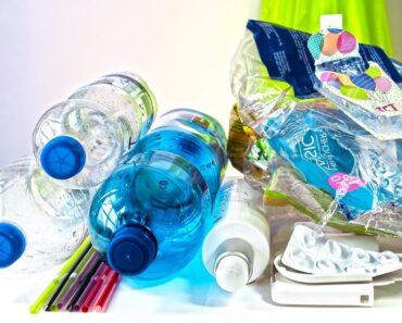 Jätemuovi on suuri, maailmanlaajuinen ongelma, johon tässä esitellään kymmenen innovatiivista ratkaisua.