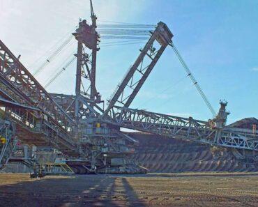 Minkälaisia monstereita!! Tässä ovat maailman suurimmat koneet.
