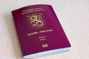 Listalla käydään läpi erikoisia faktoja passeista ja paljastetaan muutama Suomen passin salaisuus.