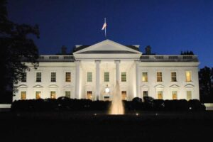 Mitä tapahtuu, kun Yhdysvaltain presidentti muuttaa Valkoiseen taloon? Listafriikki.com kertoo kymmenen yksityiskohtaa tähän prosessiin liittyen.