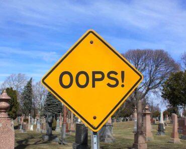 Tässä on kymmenen tarinaa siitä, kun sähköposti on lähtenyt väärään osoitteeseen ikävin tai huvittavin seurauksin.