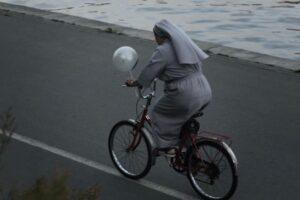 Oudoimmissa uutisissa tällä viikolla muun muassa nunna, joka joutunee vankilaan kavallettuaan satoja tuhansia euroja uhkapelaamista varten.